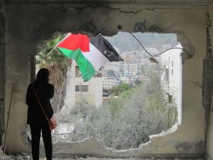 Diese  Hauszerstörung als Strafe in Nablus im letzten Monat war eine der ersten bei denen Sprengstoff benutzt wurde, um ein Haus zu zerstören. Photo: Aly Vernon