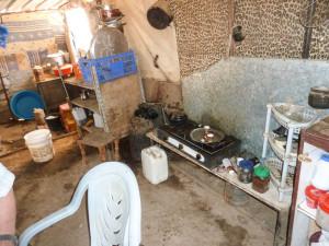 Die Einrichtung von Bruhans Zelt, die von Angehörigen der israelischen Armee zerschlagen wurde.